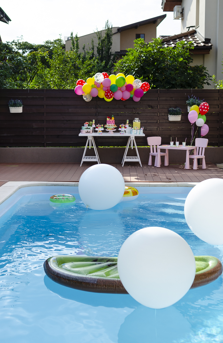 Tutti Frutti Pool Party
